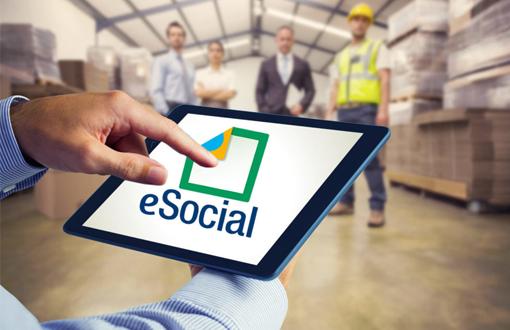 Formação capacita alunos sobre o eSocial e REINF
